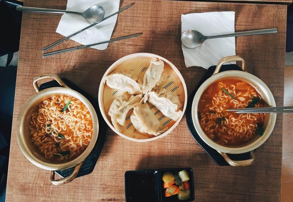 المطبخ الكوري - راميون وماندو